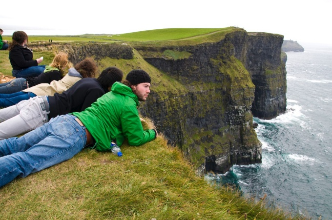 ireland students on cliff
